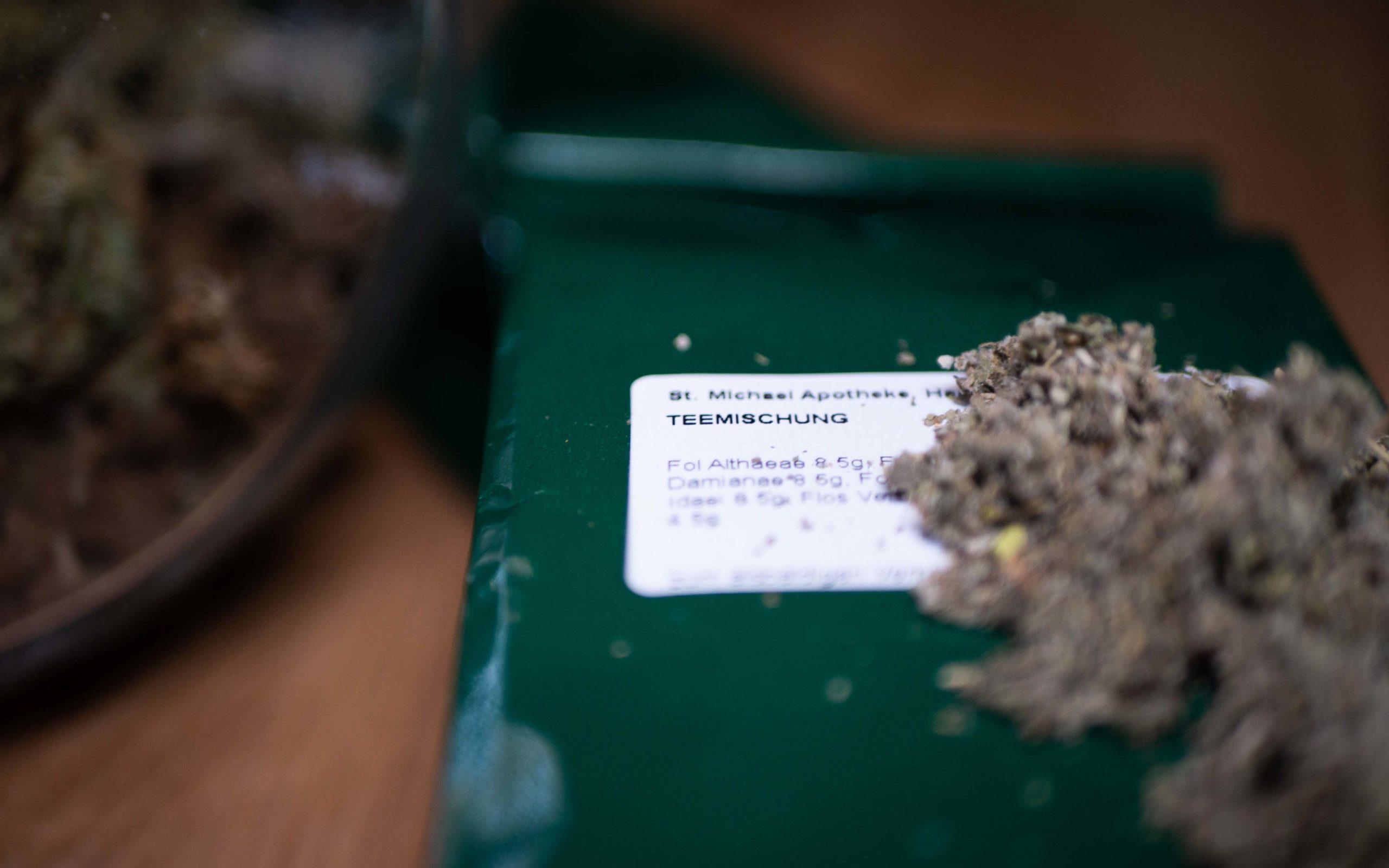 Teemischung aus Kräuter zum rauchen