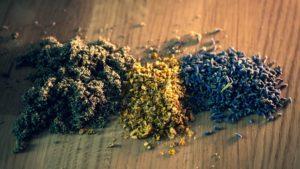 Real Leaf Königskerze und Lavendel Kräuter