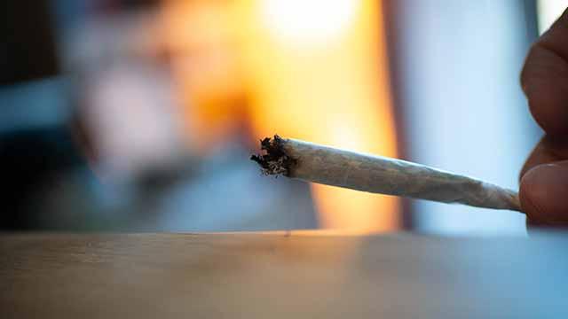 Kräuterzigarette die brennt